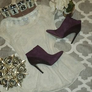 *RARE* Vince Camuto Kasi Wine Heeled Ankle Boots